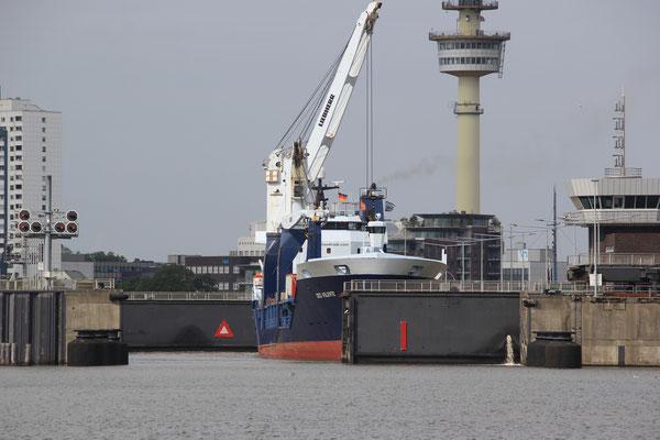 Schleuse Bremerhaven