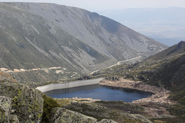 Stausee, unterhalb Torre ca. 1550 m, Sierra Estrella