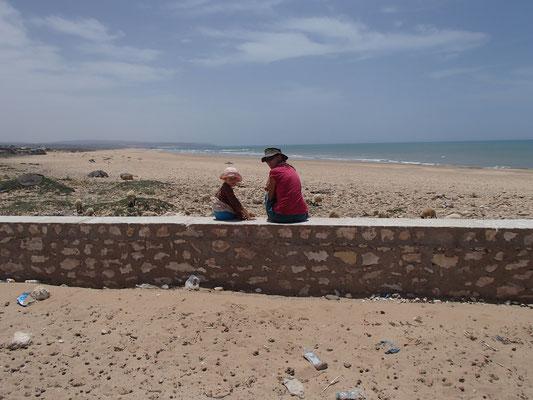 menschenleerer Strand Sidi Kauki betreten verboten