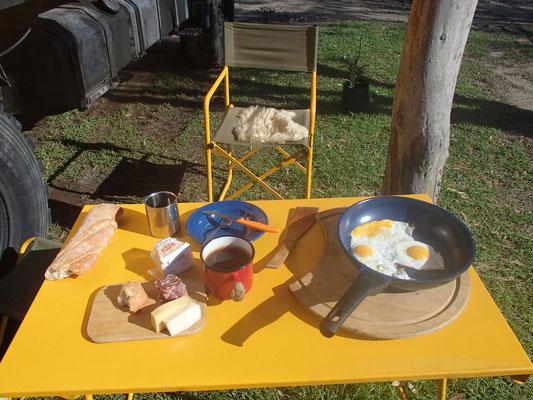Erstes Draußenfrühstück Tarifa