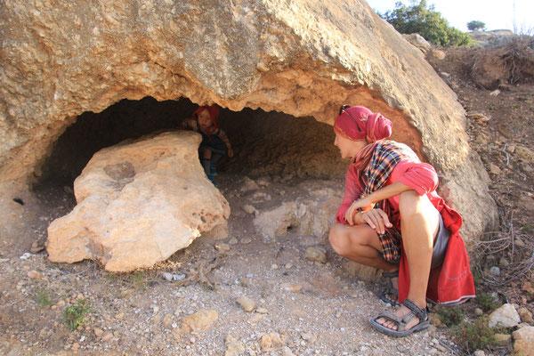 Sarah Felshöhlenbegehung Nähe terre de ocean
