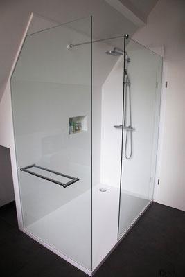 espace douche avec niche intégrée, blanc S 28