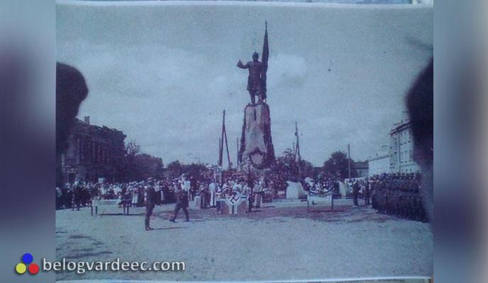 Лето 1942 года, войсковой митинг по поводу присяги и награждения.