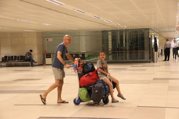 Vor unserem letzten Flug, Flughafen Chang Singapur