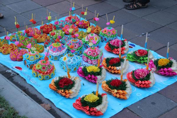 Krathong, Blumenschiffchen für das Lichterfest, Bangkok