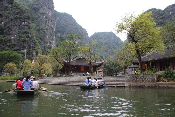 Unterwegs in der trockenen Halongbucht, Trang An