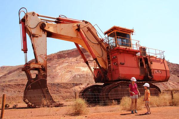 Besichtigung einer Eisenerzmine, Australien