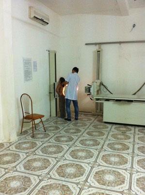 Röntgenzimmer im Spital von Cat Ba City