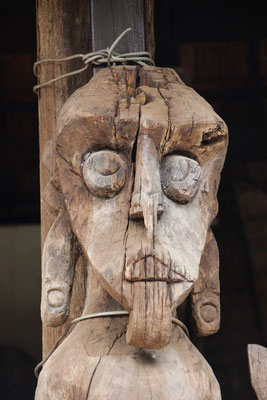 Alte Holzstatue, Ubud