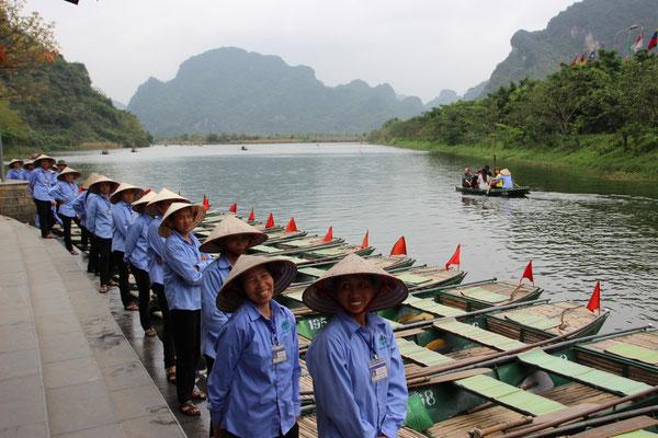 Warten auf Fahrgäste, Trang An