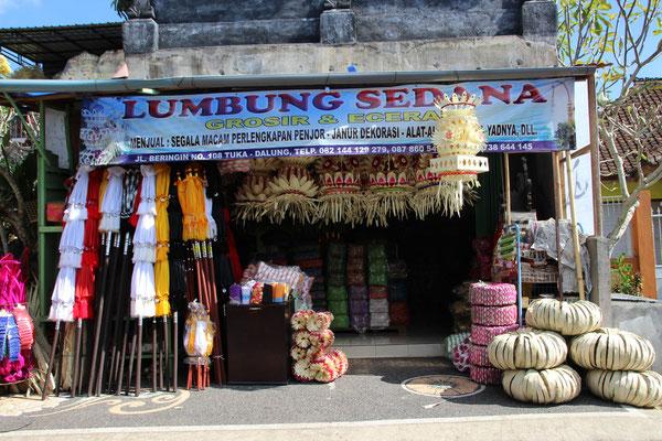Verkauf von Opfergaben und Zeremoniedekorationen, North Kita