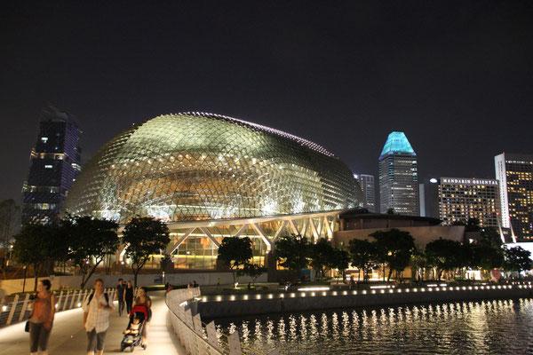 Esplanade, Oper- und Konzerthaus in der Form einer Durianfrucht