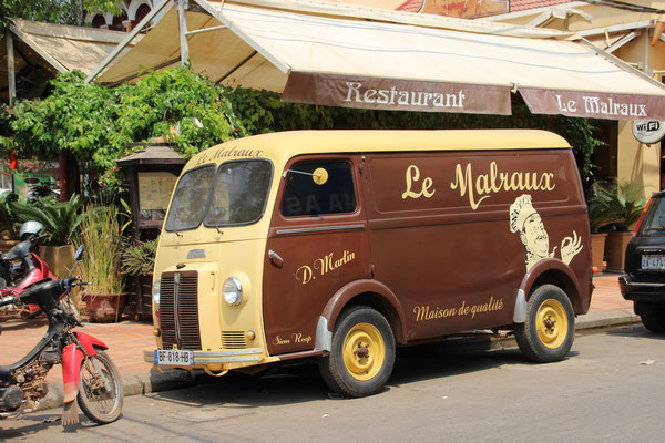 Werbung mit dem Bus, Siem Reap, Kambodscha