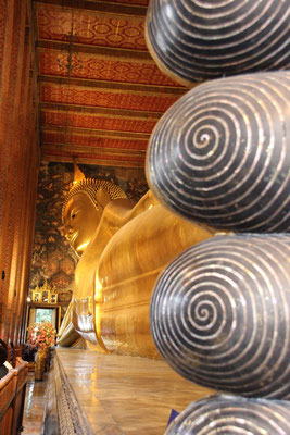 Zehen der liegenden Buddhastatue in Bangkok