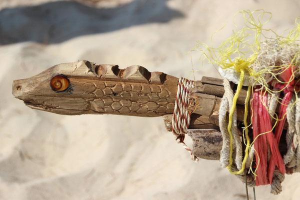 Bestaunenswerte Details eines selbstgebauten Segelboots auf Koh Good