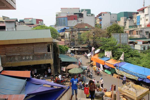 Aussicht vom dreistöckigen Markt in Hanoi