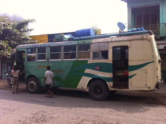 beim Busbahhof in Mandalay, Myanmar
