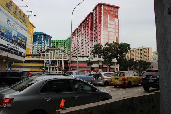 Bunte Häuser machen diesen Stadtteil farbenfroh