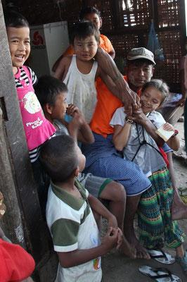 Besuch bei einer einheimischen Familie, Myanmar