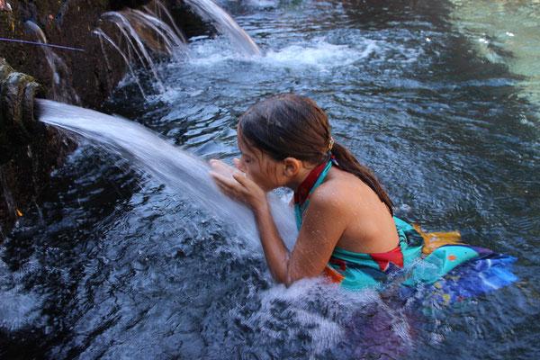 Waschung mit heiligem Wasser
