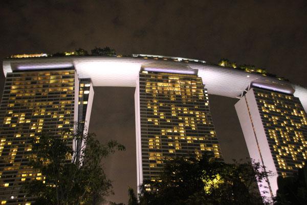 Hotel Marina Bay, Zimmerpreise ca. 900 Dollar