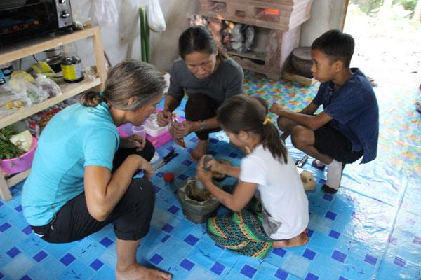 Gemeinsames Zubereiten eines leckeren Lanna-Thaigerichts