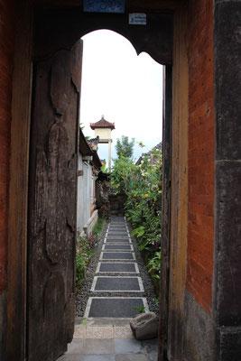 Typischer Hauseingang zu den Familientempeln, Ubud