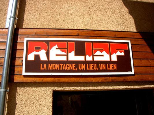 Acrylique sur bois // Enseigne Relief // 2005