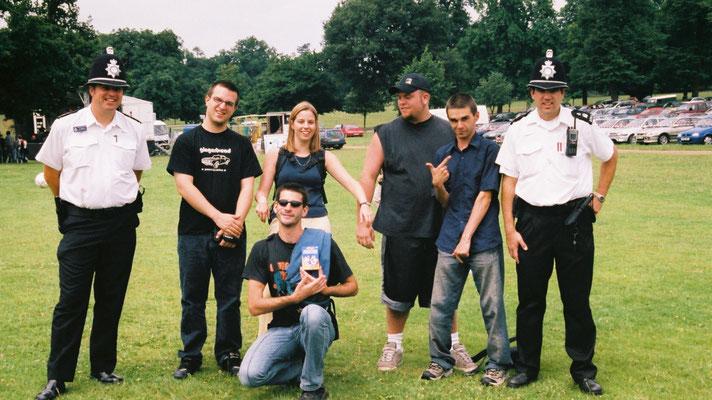 EXTERIO avec la police d'Angleterre