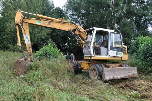 Baggerarbeiten bei der Erweiterung der Flachwasserzone in der Marbach