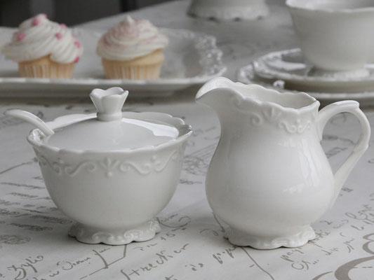 Zuckerdose und Milchkännchen aus der Provence Serie von Chic Antique
