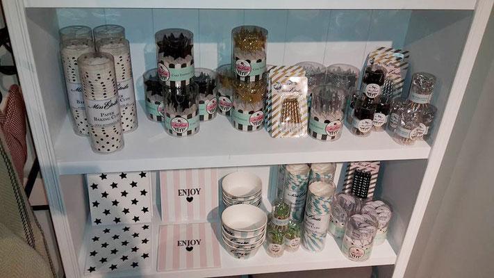 cupcake papierbackformen, Geburtstagskerzen, Müslischalen und vieles mehr von Miss  Etoile