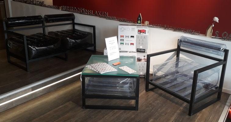 """Aufblasbare Möbel von mojow Typ """"YOKO"""" Schemel 199,99€; Sessel 249,99€; Tisch 249,99€; Sofa 399,99€"""