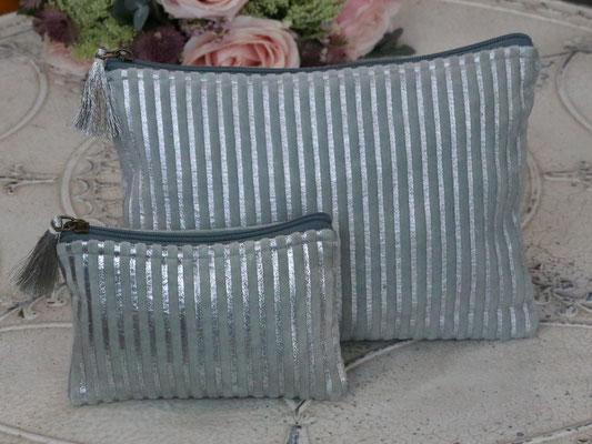 Kosmetiktasche Samt hell türkis m. Silberstreifen klein 10x16cm 19,90€ /groß 27x20cm 29,90€