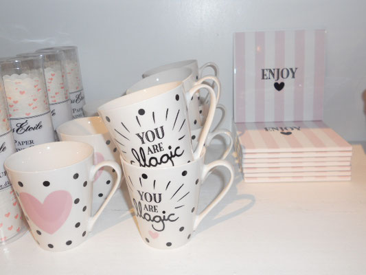 Tasse Herz/Magic 9,90€ / Topfuntersetzer Kachel 19,90€