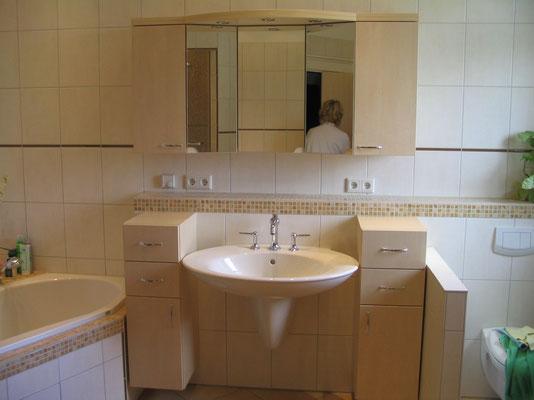 Badezimmer Hängeschränke mit Oberschrank verspiegelt