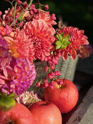 Saisonaler Blumenschmuck