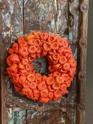 Handgemachte Herbstkränze für Tisch und Tür