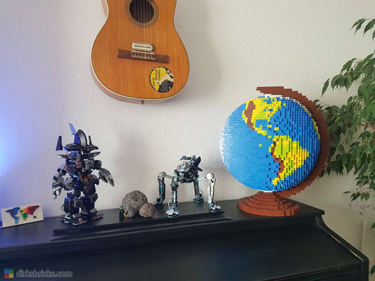 Dirks LEGO® Globe at home