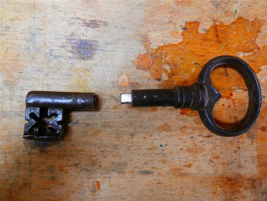 Schlüssel mit neuer Reide