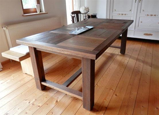 Esszimmer-Tisch aus Eiche, klicken Sie bitte auf das Bild
