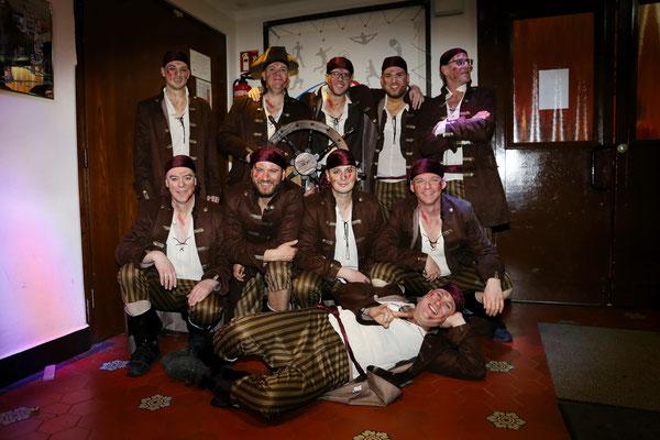 Die Tänzer der Männerballetts