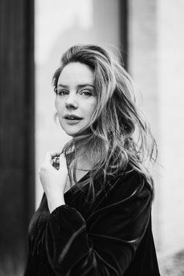 Olivia Marei by Melina Waliczek