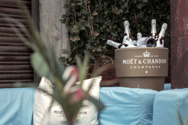 Moet Ice Imperial Flaschen in der Moet Lounge