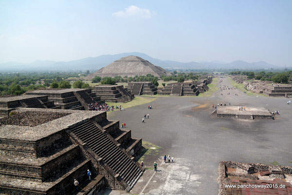 Mexiko_Mexiko-City und Umgebung_Teotihuacán_Blick von der Mondpyramide