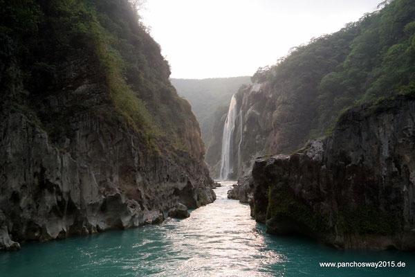 Mexiko_Zentrale Atlantikküste und Puebla_Tamul Wasserfall