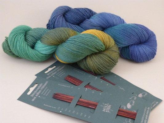 Sockenwolle handgefärbt - Nadelspiel von Holz & Stein