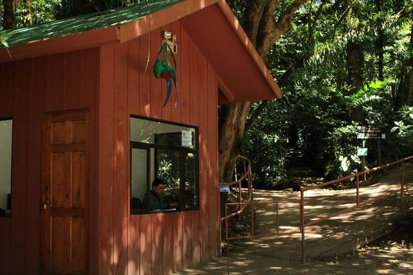 Entrée reserve Santa Elena.