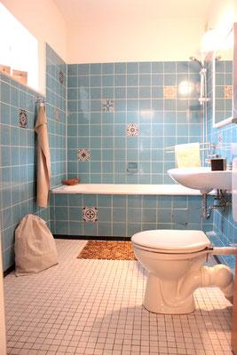 Home Staging - Bad nachher türkise Fliesen Buchholz Tostedt die kammerherrin