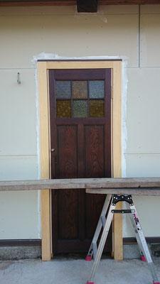 玄関ドア、到着